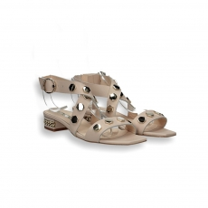Powder calf and gold studs sandal chain heel 20 mm.